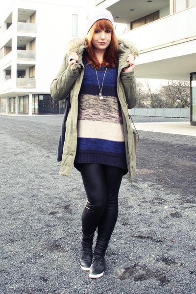 blue H&M sweater - heather gray Kleiderkreisel hat - army green Only jacket