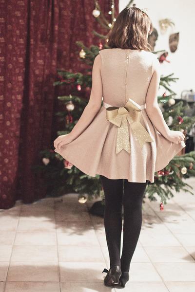 gold Lovestruck dress - gold Supermarket accessories - black H&M tie
