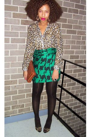 green H & M scarf - H & M shirt - brown Nine West purse - black Nine West shoes