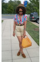 brown Soda clogs - beige Secondhand shorts - pink Secondhand shirt - Filenes pur