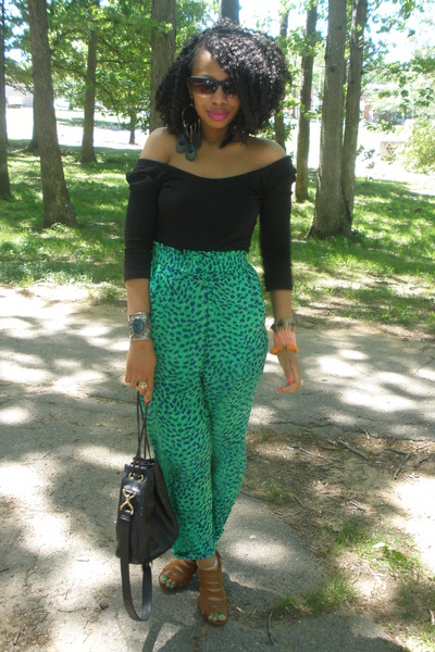 green vintage pants - black vintage purse - black H&amp;M top - brown urban og shoes