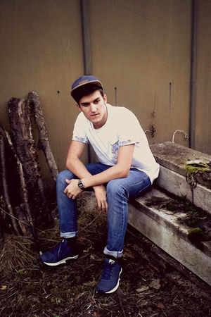 5panel obey hat - H&M jeans - Worland t-shirt - nike sneakers - casio watch