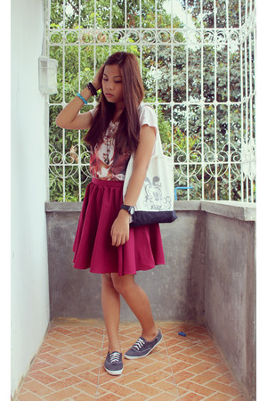 brick red Custom-made skirt - navy Keds shoes - light pink artwork shirt