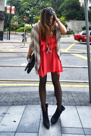 Zara boots - H&amp;M boots - insighT 51 dress - Forever 21 cardigan - necklace