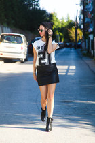 leather Zara skirt - cut out Stradivarius boots - round Ray Ban sunglasses