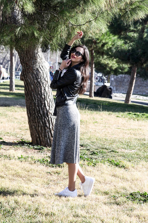 charcoal gray midi Stradivarius dress - black cateye asos sunglasses