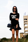 Stradivarius-boots-boy-london-sweater-chanel-bag-wize-and-ope-sunglasses