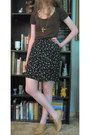 Dark-brown-limited-t-shirt-navy-thrifted-floral-skirt-gold-necklace