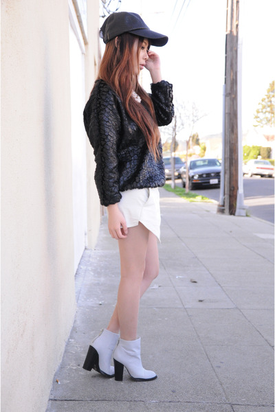 Shoe Cult boots - Widow hat - Zara shorts - Front Row Shop jumper