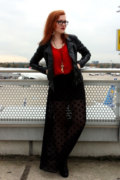 black H&M skirt - black Akira boots - black Zara jacket - red H&M top