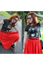 dark gray Vero Moda top - red H&M skirt - dark brown Friis & Company wedges