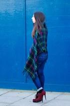 Carvela boots - Uniqlo jeans - relax garden cape