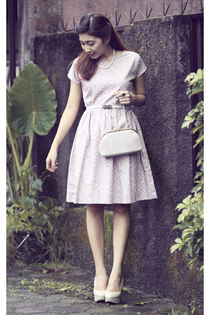 light pink Dream dress - ivory vintage purse - off white Chrysalis pumps