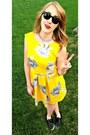 Sequins-sperries-shoes-floral-vintage-dress-black-ray-bans-sunglasses