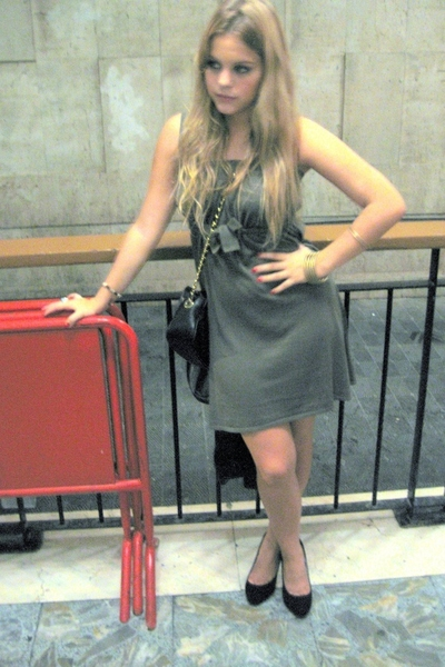 H&M dress - Chanel purse - Zara shoes
