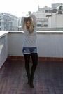 Blue-levis-shorts-black-bimba-lola-boots
