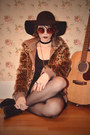 Black-seychelles-boots-burnt-orange-leopard-print-urban-outfitters-jacket