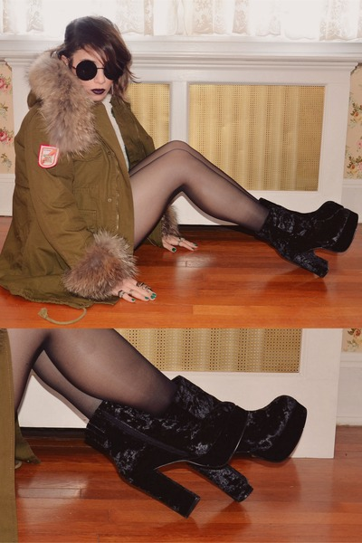 army green Chicwish coat - black Deena &amp; Ozzy boots
