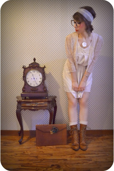 tawny briefcase vintage bag - tawny Urban Outfitters boots