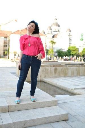 aquamarine ballet flats random brand flats - navy skinny American Eagle jeans