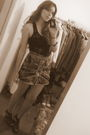 Zara-t-shirt-fishbone-skirt-wonders-shoes-vintage-belt