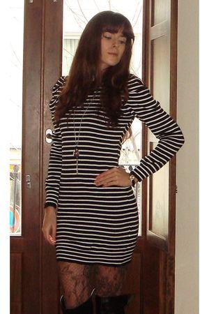 Zara dress - Calzedonia tights