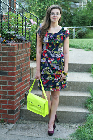 yellow neon xhilaration bag - navy floral print Go International dress