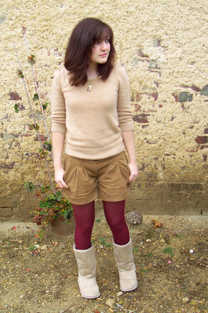 maroon mim tights - beige Ebay boots - camel mim shorts - beige Pimkie jumper