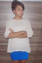 blue Stradivarius skirt - ivory Mango sweatshirt