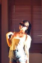 Topshop shorts - Mango sunglasses - Mango cardigan - Zara top