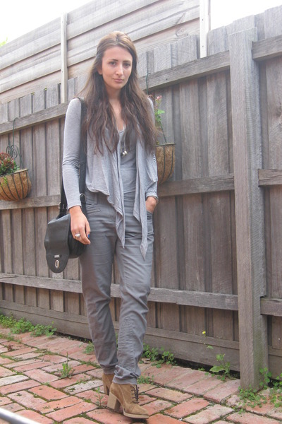 heather gray Country Road top - army green Witchery pants - camel Carvela boots