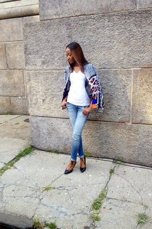 distressed jeans - graphic print jacket - black ankle strap pumps