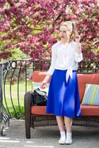 blue a-line midi Forever 21 skirt - white Forever 21 top - white Ardene sneakers