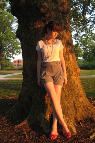 H&M shirt - Urban Outfitters shorts - Blowfish shoes