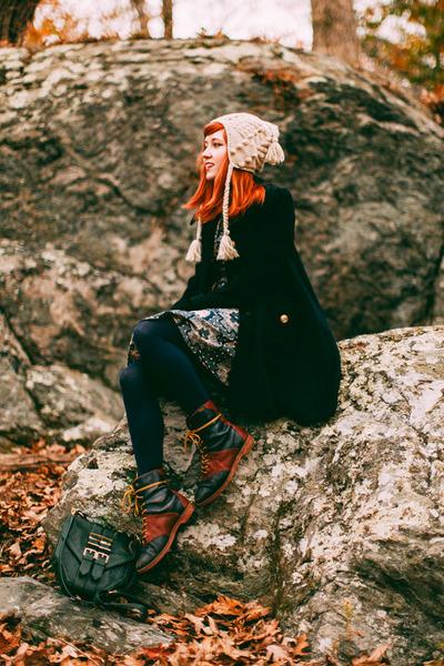 vintage boots - supayana dress - pepa loves hat