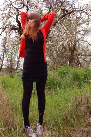 red H&amp;M cardigan - black H&amp;M dress - black cynthia rowley tights - silver modclo