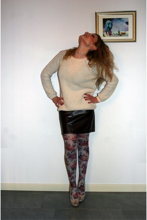 maroon vintage skirt - neutral asos sweater - maroon Calzedonia stockings