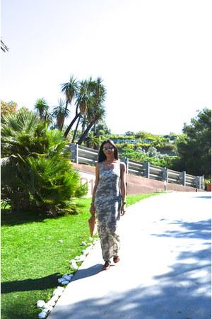 Oysho bag - Tezuk swimwear - Zara sandals