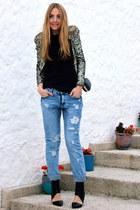 olive green sequin Mango blazer - light blue boyfriend jeans Stradivarius jeans