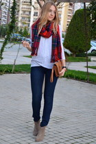 red tartan Chicwish scarf - navy skinny jeans Modagram jeans