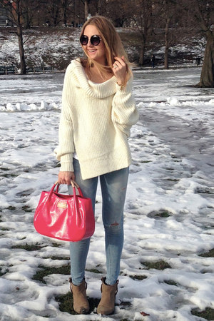 ivory knitted Jessica Buurman sweater - hot pink kate spade bag
