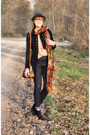 Zara coat - vintage scarf - Zara bag - H&amp;M wedges