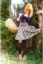 vintage belt - H&M skirt - Naf Naf t-shirt
