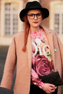 Choies-coat-jennyfer-jeans-choies-hat-romwe-sweater