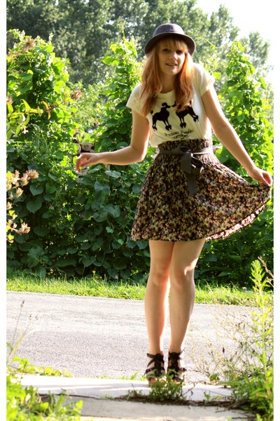 H&M t-shirt - H&M skirt
