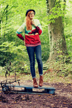 tree Romwecom sweater