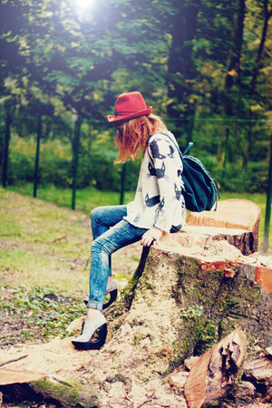 romwe jumper - asos jeans - Zara hat - Chicwish bag - Jeffrey Campbell wedges