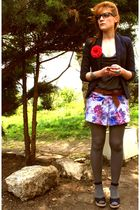 pink seventies pattern skirt - blue Osmose shoes - gray Naf Naf shirt