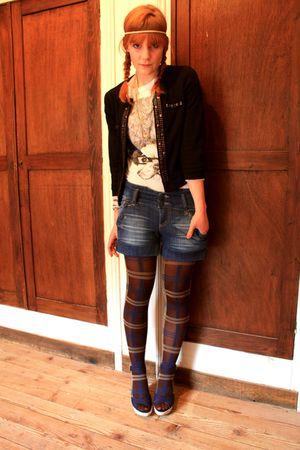 Promod tights - Stradivarius shorts - Zara t-shirt