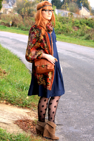 H&M dress - Zara boots - H&M tights - vintage scarf